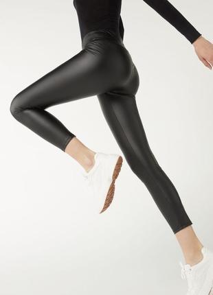 Кожаные леггинсы черные, бренд calzedonia! оригинал, из португалии!