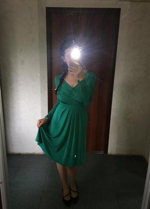 Стейчевое платье на поясе
