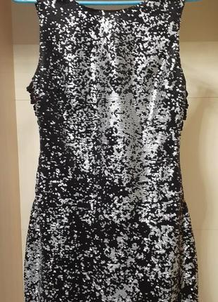 Платье с пайетками 44