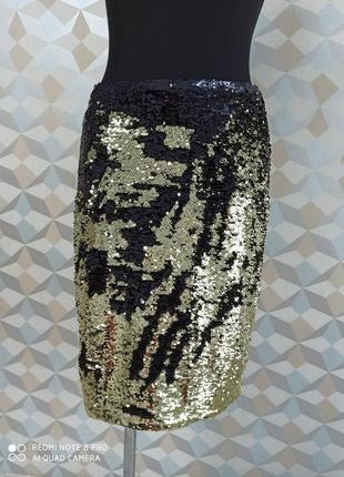 Нарядная яркая миди  юбка карандаш в паетку перевёртыш черно золотая