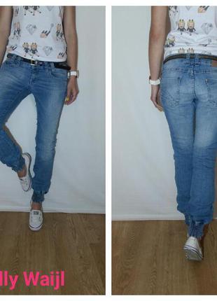 Бомбовые женские джинсы от  tally waill