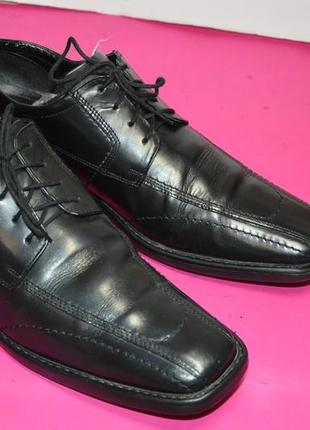 Мужские  кожаные  туфли  bugatti