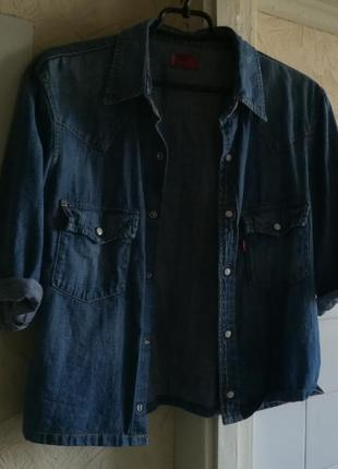 Короткая джинсовая рубашка на кнопках с коротким рукавом levis