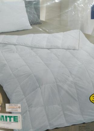 Стеганое полуторное пуховое одеяло 135/200 meradiso