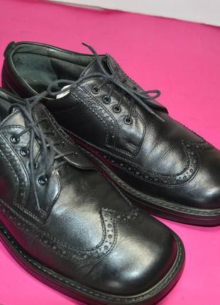 Мужские  кожаные  туфли  helvesko