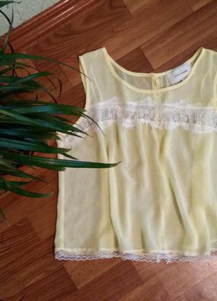 Нежно-желтая блуза