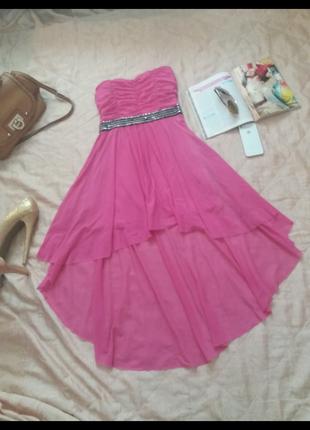 Трендовое платье бюстье со шлейфом mango