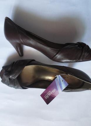 Туфли кожаные marks&spencer с открытым носком