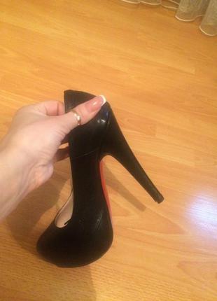 Лабутены, туфли с красной подошвой stefani