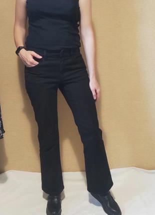 Черные укороченые клешные штаны джинсы bootcut клеш