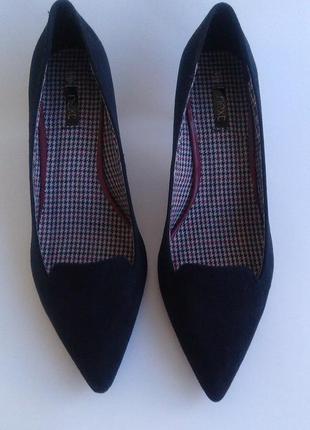Новые туфли лодочки черные экозамш