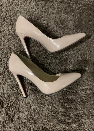 Туфли лодочки/ туфли лаковые