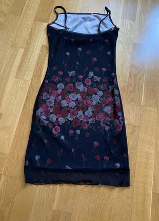 Чёрное платье с розами h&m