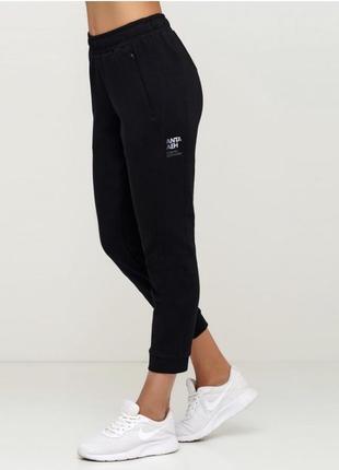 Спортивные штаны anta
