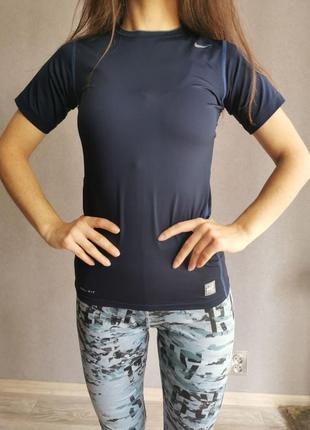 Спортивный топ nike/спортивная футболка /рашгард / компрессионное белье