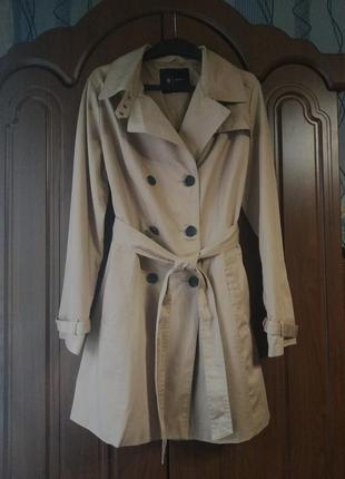 Модный бежевый тренч плащ пальто