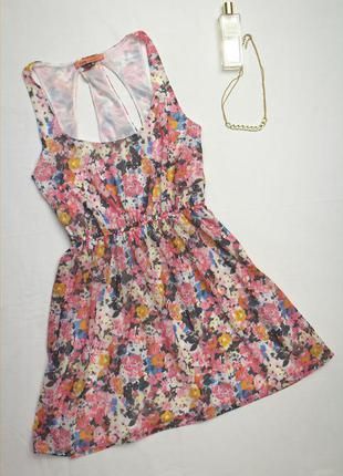 Bershka(оригинал).безумно красивое платье в нереальный цветочный принт с шикарной спинкой.