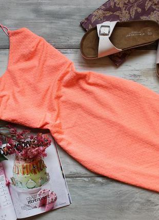 Персиковое платье миди на тонких брителях river island