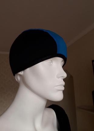 Отличная спортивная шапка.размер s