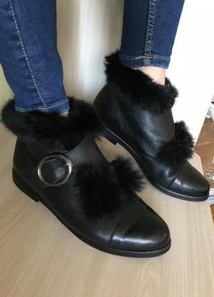 Стильные кожанные ботиночки с мехом