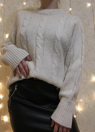 Теплый свитер шерсть