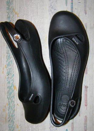 W 9 - 25 см стильные балетки босоножки кроксы от crocs