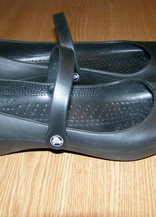 W9 - 26 см состояние новых балетки кроксы crocs