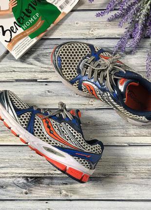 Яркие беговые кроссовки с дышащим верхом и пружинящей подошвой    sh37014    soucony