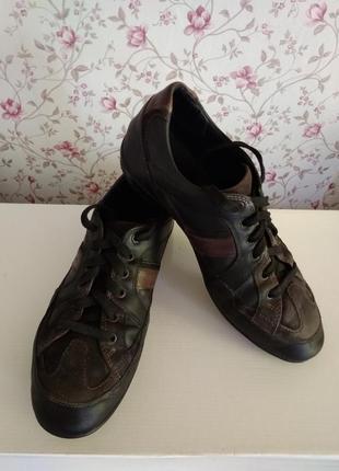 Кроссовки, ботинки geox кожаные.