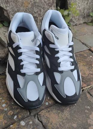 Классические беговые кроссовки