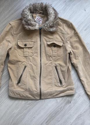 Куртка с меховым воротником