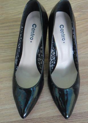 Лаковые туфли (лодочки)
