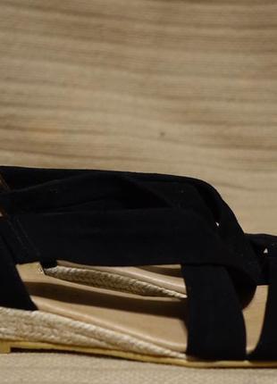 Мягусенькие черные замшевые босоножки с закрытым задником office girl англия 38 р.