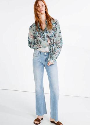 Прямые голубые джинсы zara
