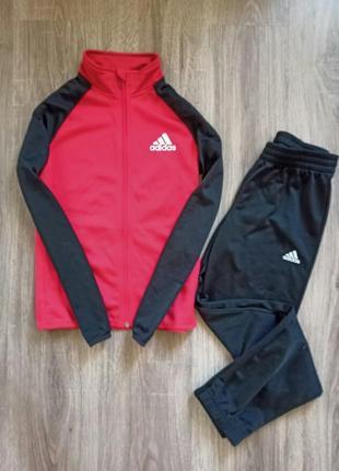 Спортивный костюм adidas на 9-10 лет ( 134-140см)