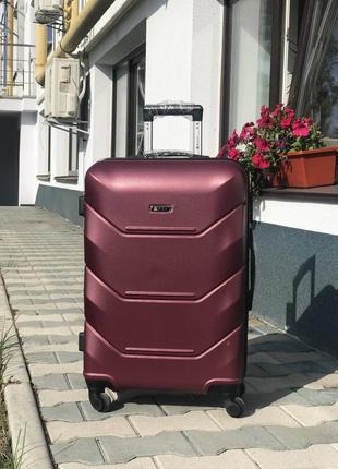 Уценка! чемодан на колесах из поликарбоната средний бордовый