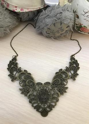 Стильное ожерелье колье