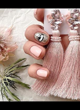 Нежно-розовые серьги с кристаллами и хрусталём