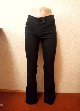 Черные класические брюки