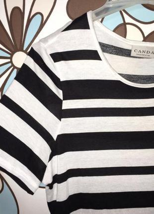Полосатая черно-белая футболка