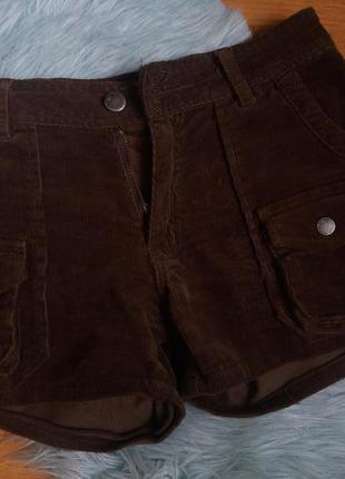 Вельветовые шорты с карманами