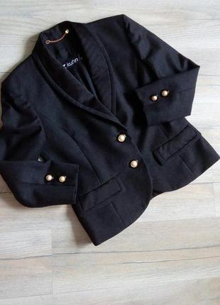 Kuhn modissa, cтатусний брендовий піджак з натуральноі вовни