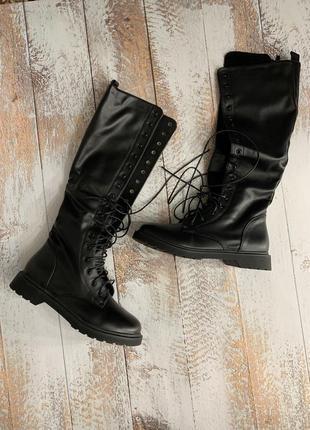 Тренд этой осени высокие сапожки ботинки на шнуровке