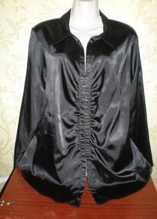 Черная атласная блуза-стрейч. большой размер -22. бренд - essenge