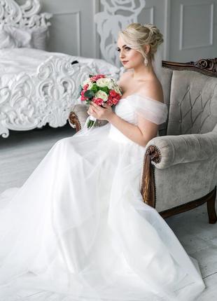 Очень красивое свадебное платье !покупалось в свадебном салоне