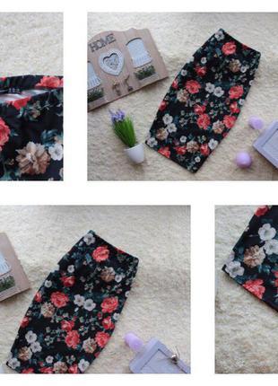 Стильная трикотажная юбка миди на резинке в цветочный принт