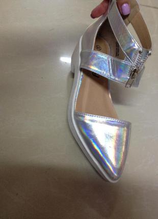 Крутые туфли балетки