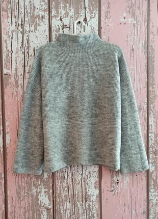 Шерстяная кофта с горловиной, свитер