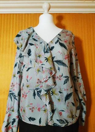 Блузка с длинным рукавом в полоску с воланом