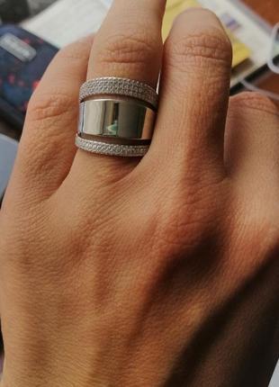 Каблучка срібна з вставками кубічного цирконію. італія